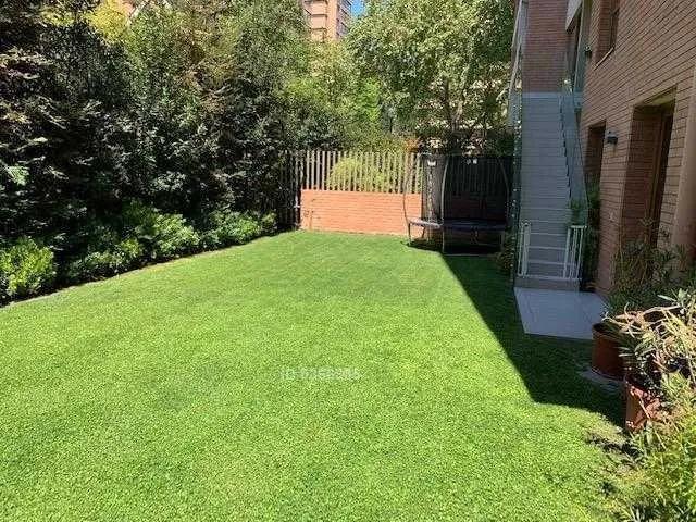 Dúplex Con Jardín / Espoz
