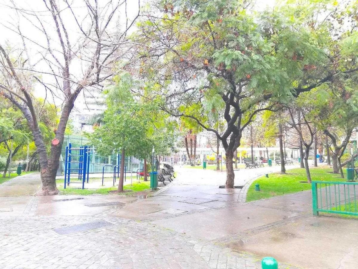 Plaza Perú - El Golf