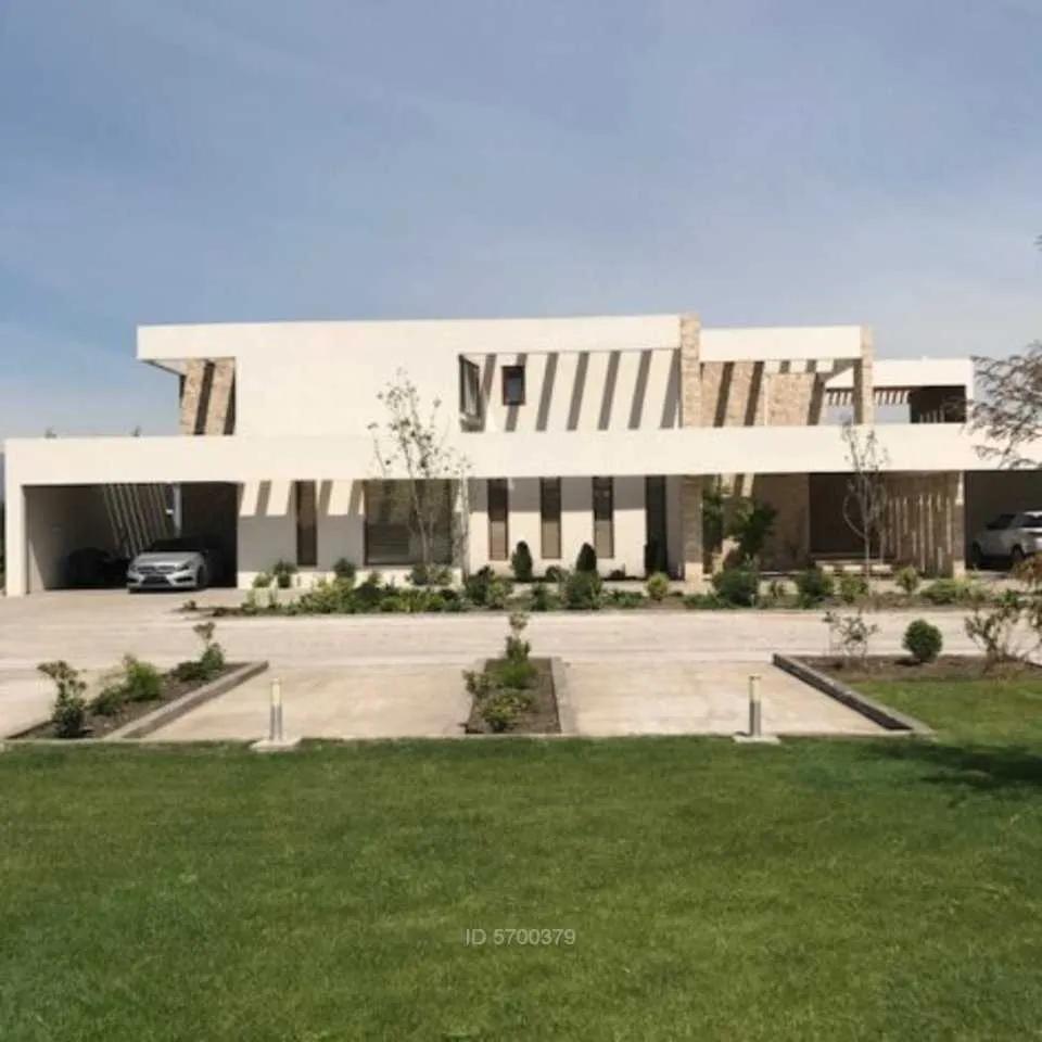 Moderna Casa Amoblada Por Decoradores