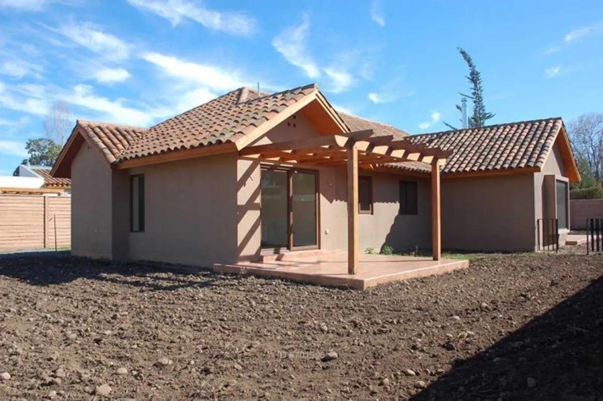 Casa Chilena En Condominio Cerrado