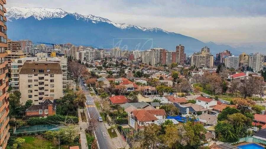 Metro Manquehue - Apumanque - Plaza Las Malvas, Metro Manquehue - Apumanque, Las Condes