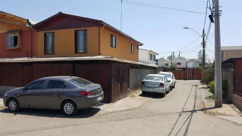 Vendo Amplia Casa De Esquina En La Granja. Venta Sin Comisión
