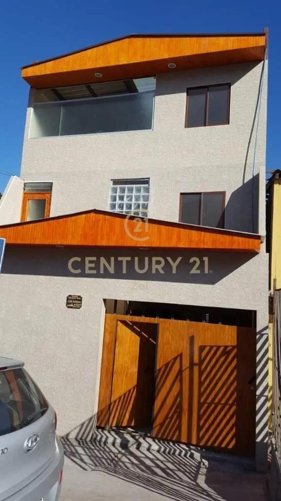 Casa Céntrica En Venta Con 18 Habitaciones