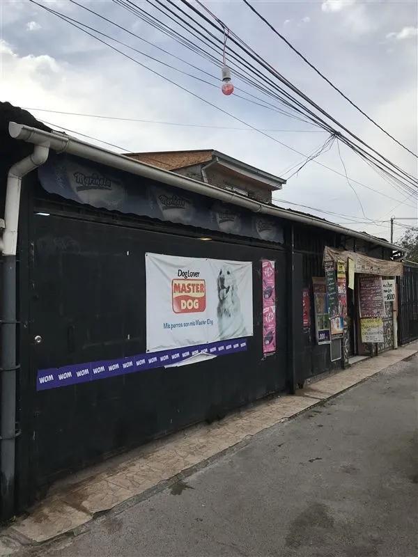 Casa Y Minimarket / Metro San Joaquin,