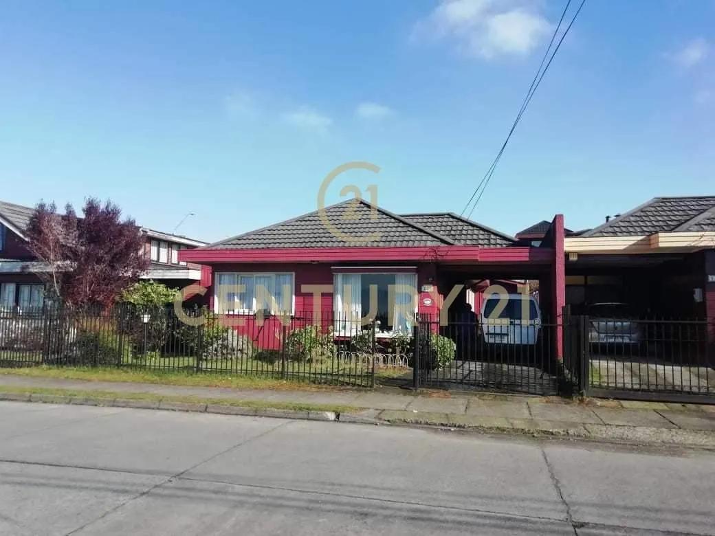Casa Con Hermosa Vista En Sector Residencial.