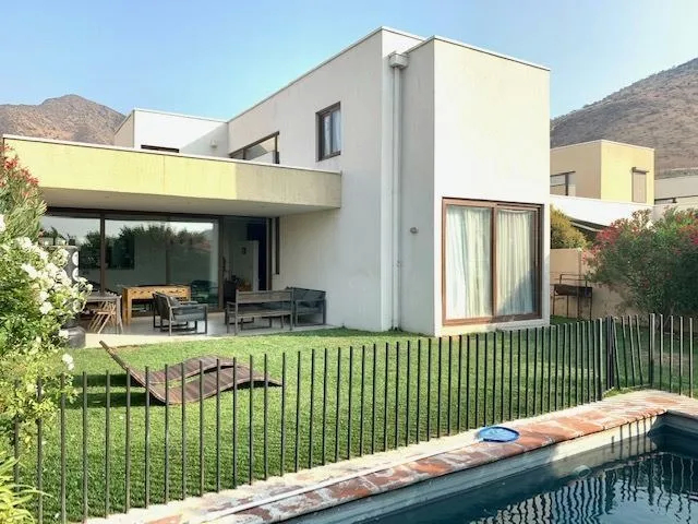 Excelente Oportunidad// Inversión// Arriendo Actual Hasta Agosto 2021// Casa Estilo Mediterráneo En Condominio Mirador De Chamisero