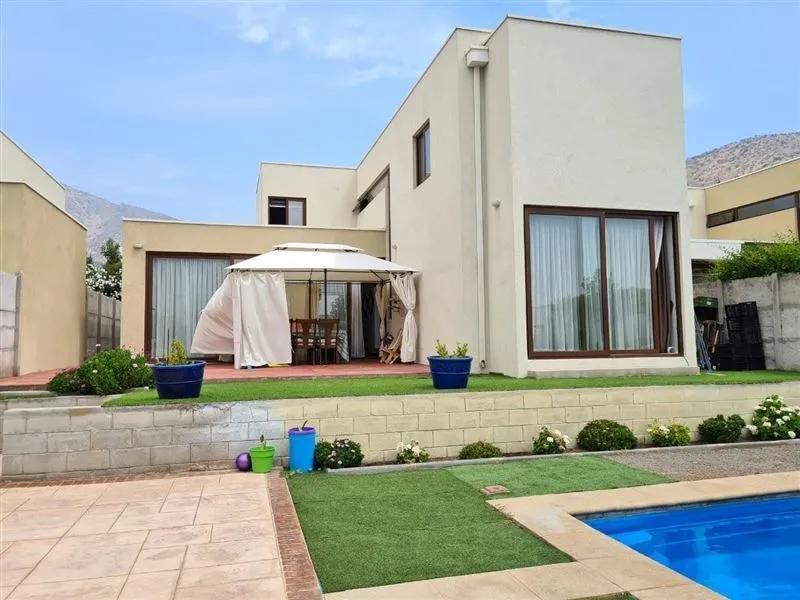Hermosa Casa En Condominio Cerrado De Chamisero